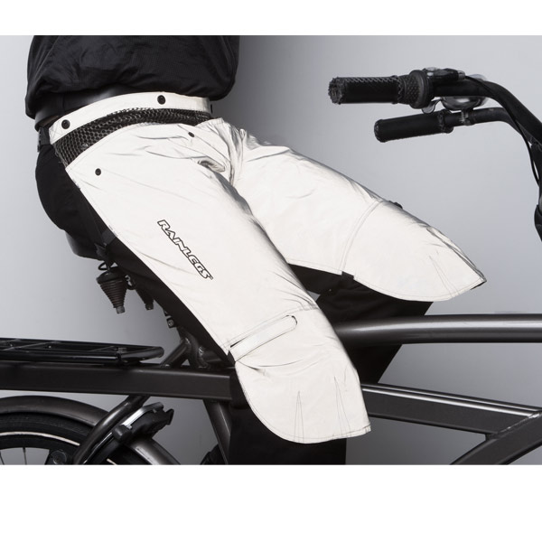 Rainlegs_Reflective_Waterproof_Leg_Protector_in_use